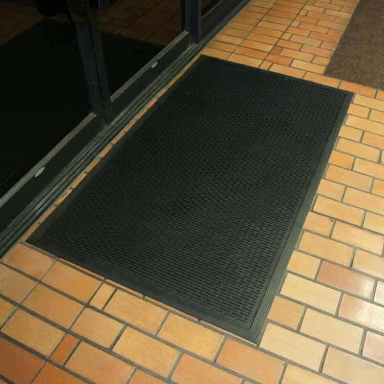 Dura Scraper Linear Rubber Doormat